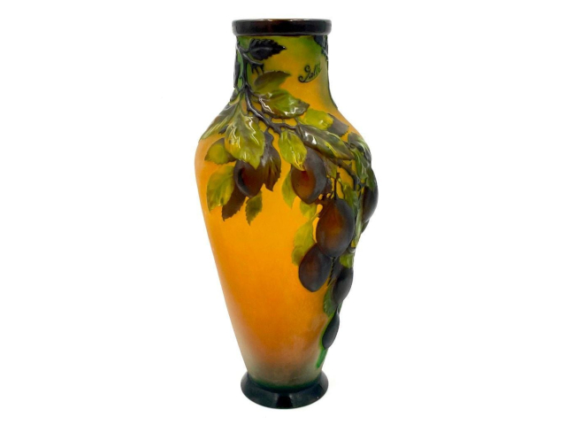 Neue Auctions' Online Art & Antiques Auction on Saturday, September 25th, Features Undiscovered Finds in Many Categories